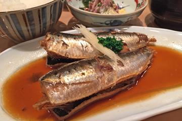 煮魚定食(ご飯、味噌汁、お新香付) 800円