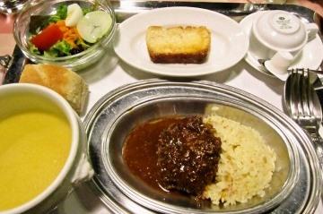 フランス産牛肉のハンバーグ 粒マスタードソース 1,000円