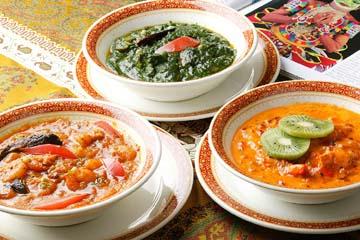 チキン、海老、魚、野菜マトンと多様な全22種のカレー