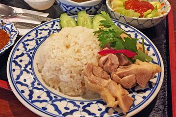 カオマンガイ(サラダ、スープ、デザート付) 850円