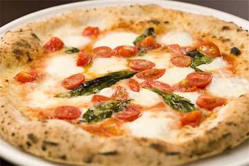 Trattoria & Pizzeria LOGIC Yokohama