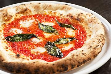 Pizzeria&Bar LOGIC Hommachi
