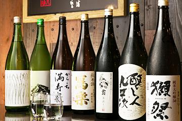 希少な日本酒も揃い、旨い魚と合わせて楽しみたい