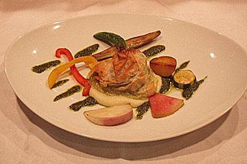 北海道産真鱈のパートフィロ包み焼き サルサヴェルデ
