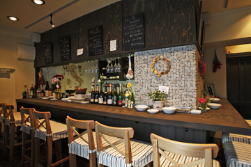 Wine Dining and Lively Kitchen!! 7Stockの店内