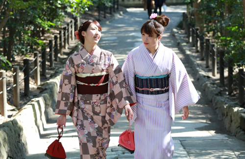 友達同士で、レンタル着物で気軽に鎌倉散策♪