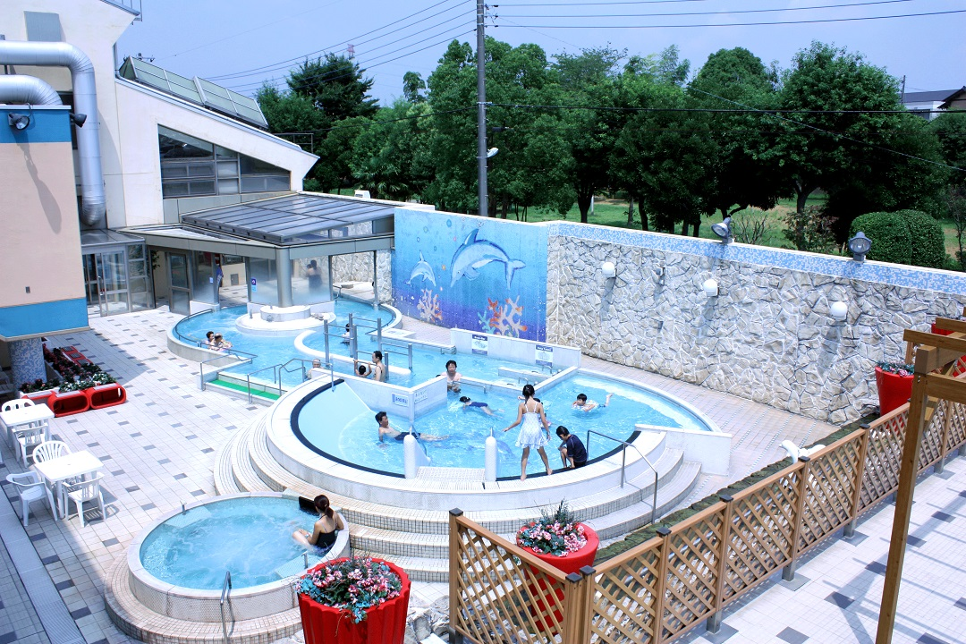 【夏季限定】屋外プール!
