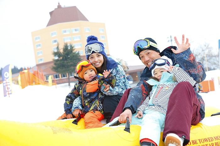 【舞子スノーリゾート】大人も子供も楽しい雪上バナナボート