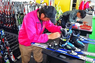 レンタルアイテムはスキー⇔ボードの機種変更OK