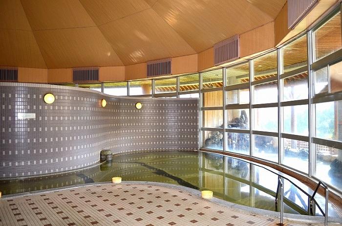 【キューピットバレイ】男女それぞれ100名が入れる大きな内湯