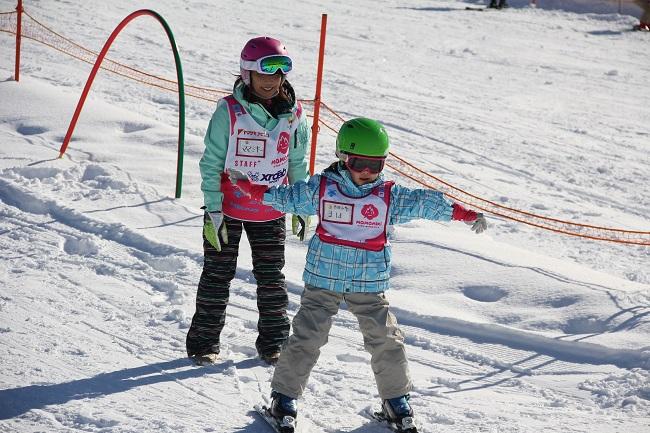 ママミキーキッズスキースクール