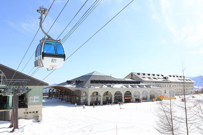 パルコールつま恋スキーリゾート ゲレンデエントランス