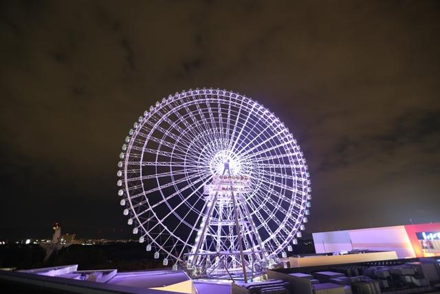 大観覧車「OSAKA WHEEL」夜の様子