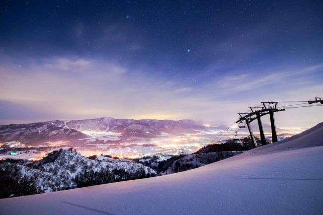 【戸狩温泉スキー場】戸狩温泉は別名『星降る里』と呼ばれ星空がとってもきれいです!