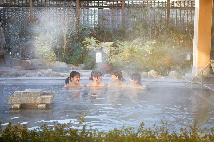 美楽温泉 SPA-HERBS(スパハーブス)露天風呂