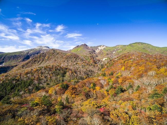 【那須 紅葉ゴンドラ】茶臼岳をはじめとする雄大な那須連山の紅葉を一望