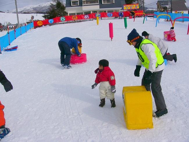 菅平高原スノーリゾートの各エリアにお子様が遊べるキッズパークがあります