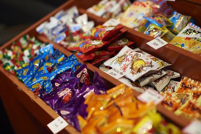 【和Style.Cafe AKIBA】  駄菓子販売コーナー1つ10円~