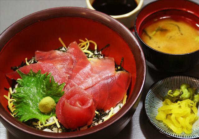 【海中公園レストラン】まぐろ丼