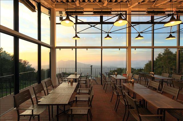 山頂カフェ「PEAK CAFE」店内