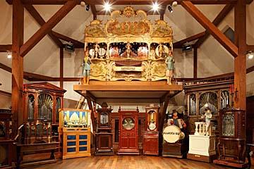 萌木の村博物館 ホール・オブ・ホールズ
